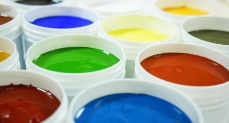 Beeck Paint Tins